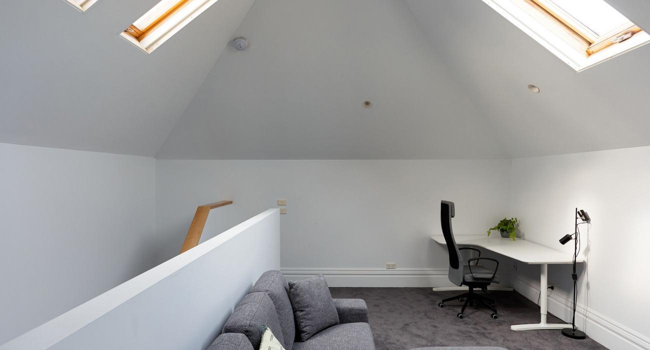 Bay Waves - Albert Park - Loft Living Space 2
