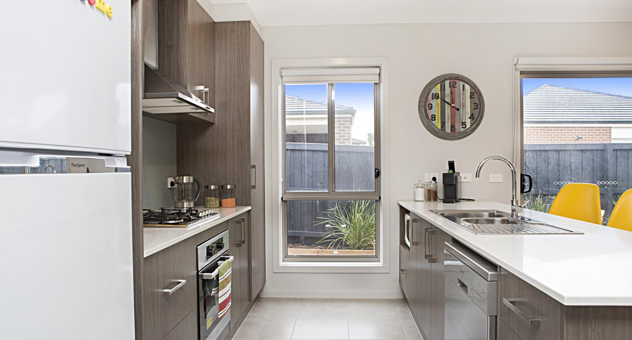 Carinya - Werribee - Kitchen b
