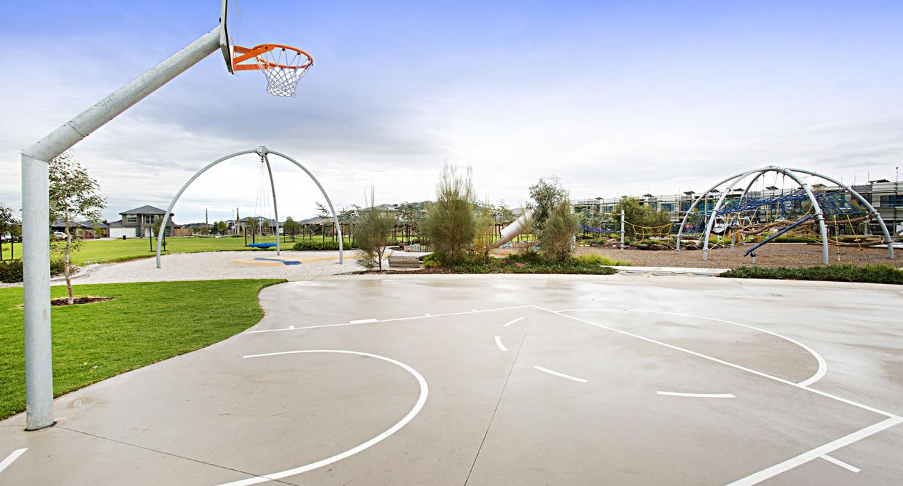 Carinya - Werribee - Playground Nearby b