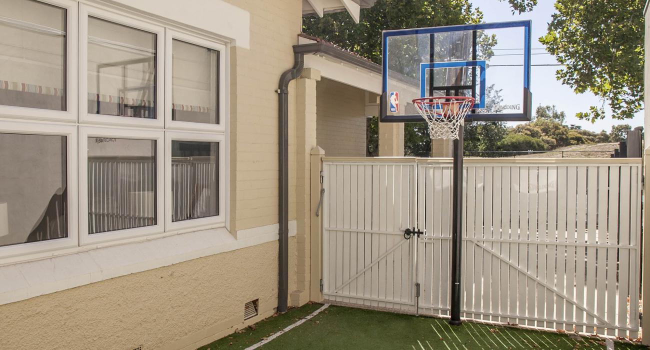 Elwood Beaches 3 - Elwood - Mini Basketball Area b