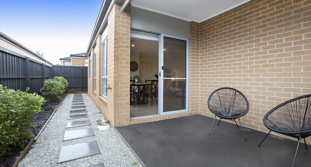 Gumflower - Werribee - Outdoor Patio b