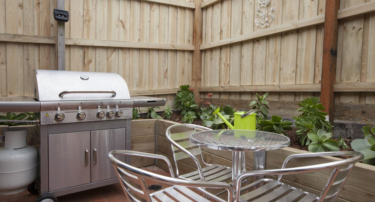 Melrose Terrace - North Melbourne - Outdoor Seating BBQ Area b