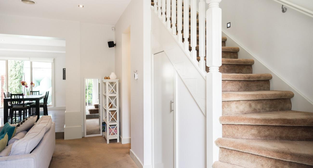 Mentone Abode - Mentone - Staircase