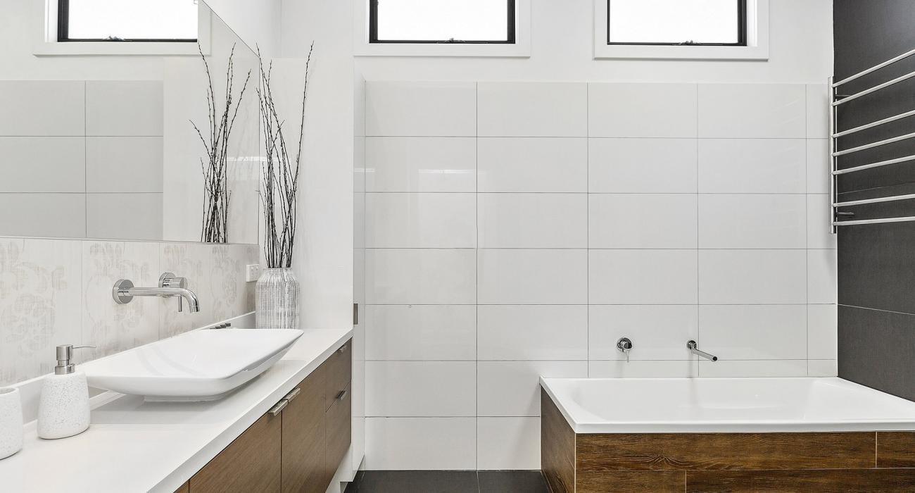 Mordi Beach House - Mordialloc - Master Bathroom