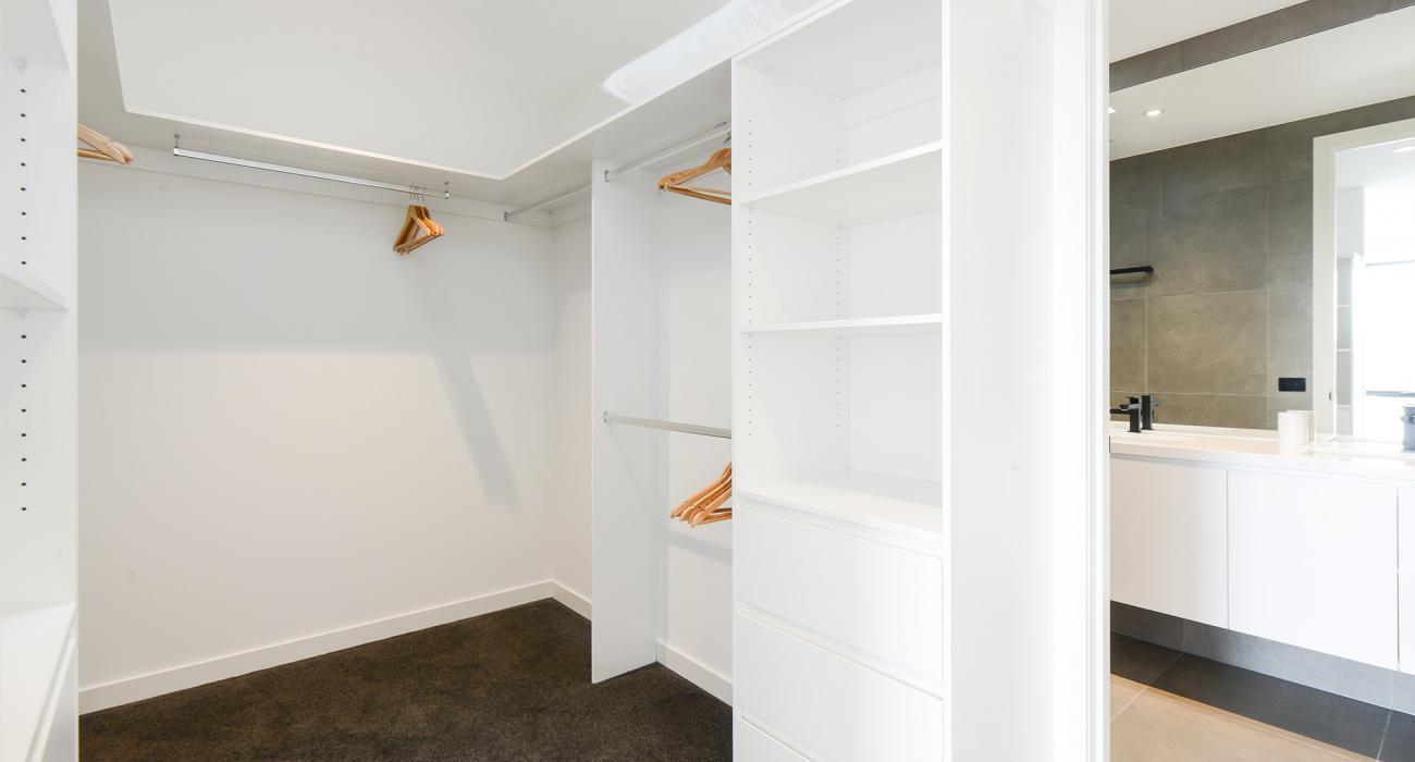 Murrumbeena Place 2 - Murrumbeena - Walk-in Closet