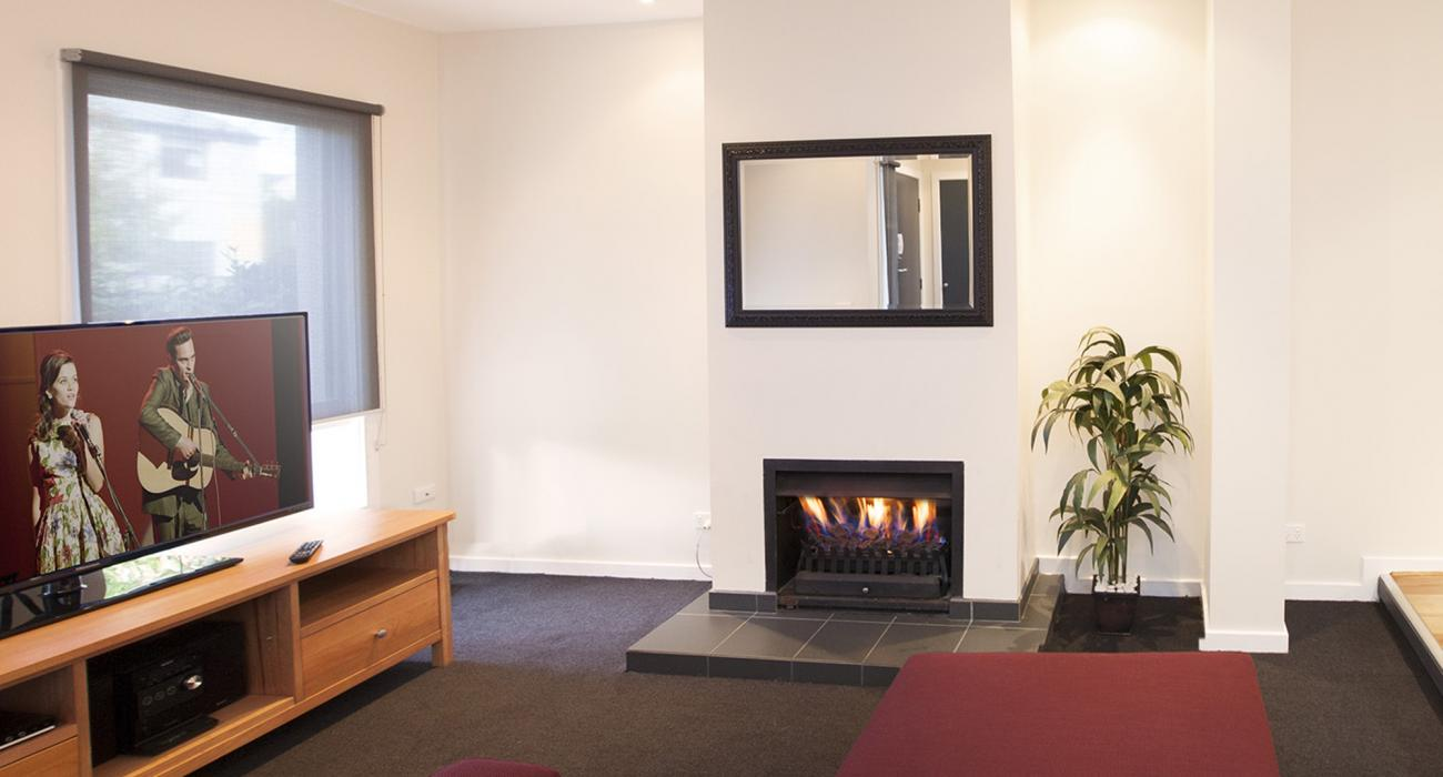 Roxys Place - Prahran - Fireplace