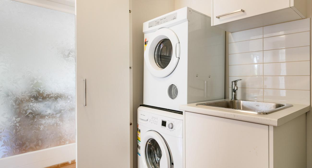 Sandy Breeze 1 - Sandringham - Laundry Area