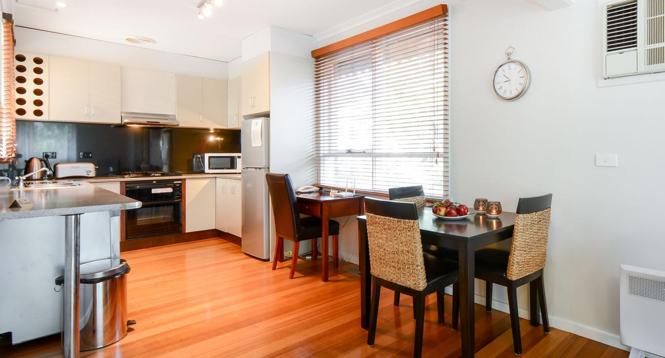 Sandy Side 1 - Sandringham - Dining and Kitchen Area