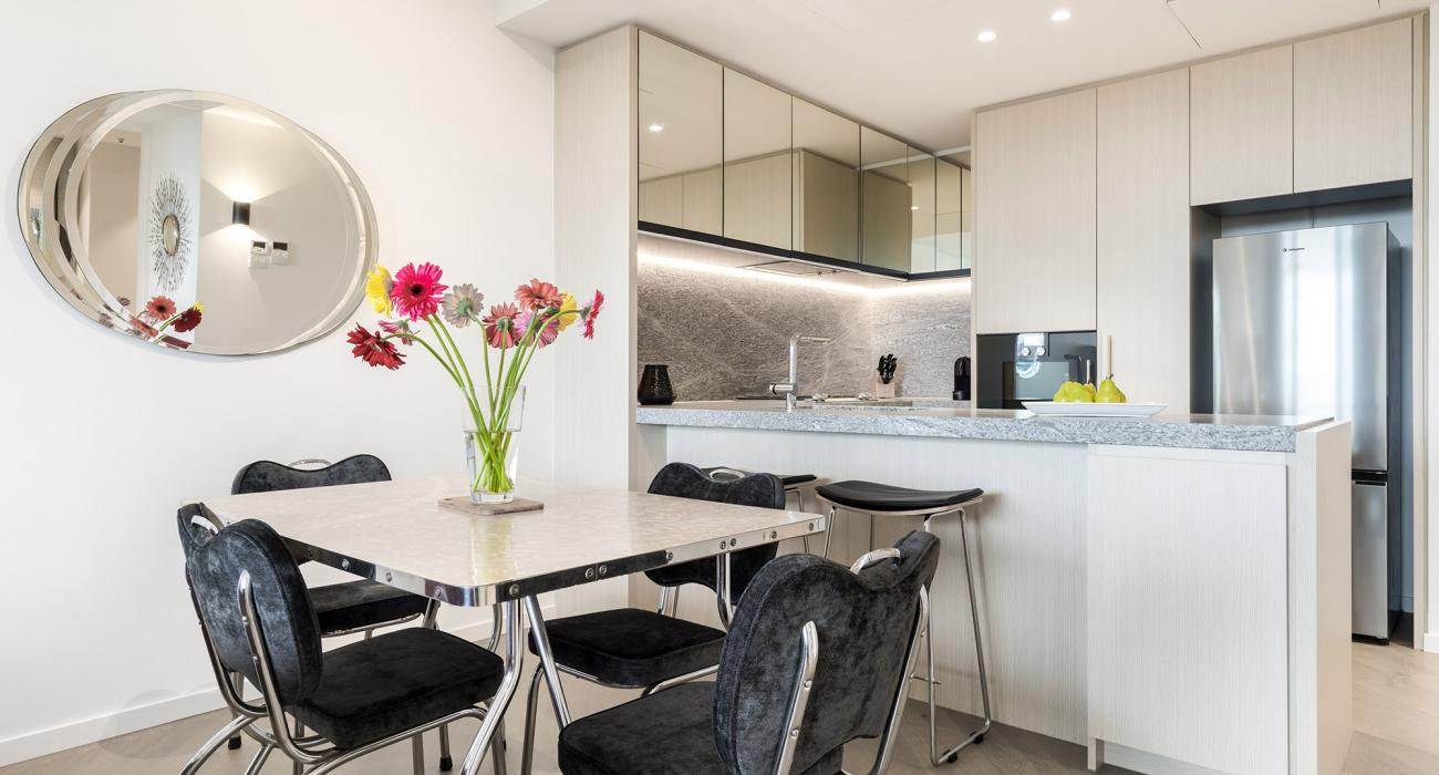 The Fawkner - Melbourne - Dining and Kitchen Area
