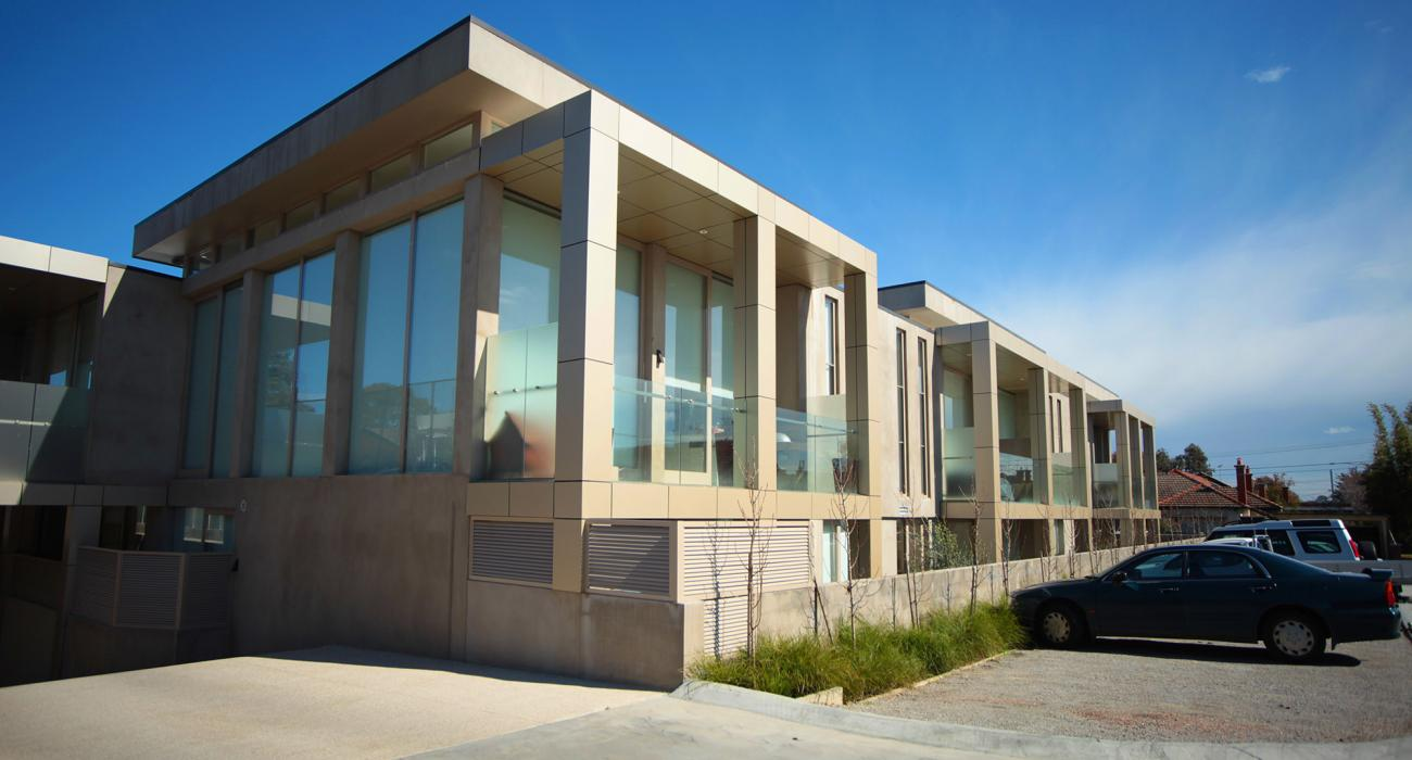 The Residence - Brighton - Outdoor Parking
