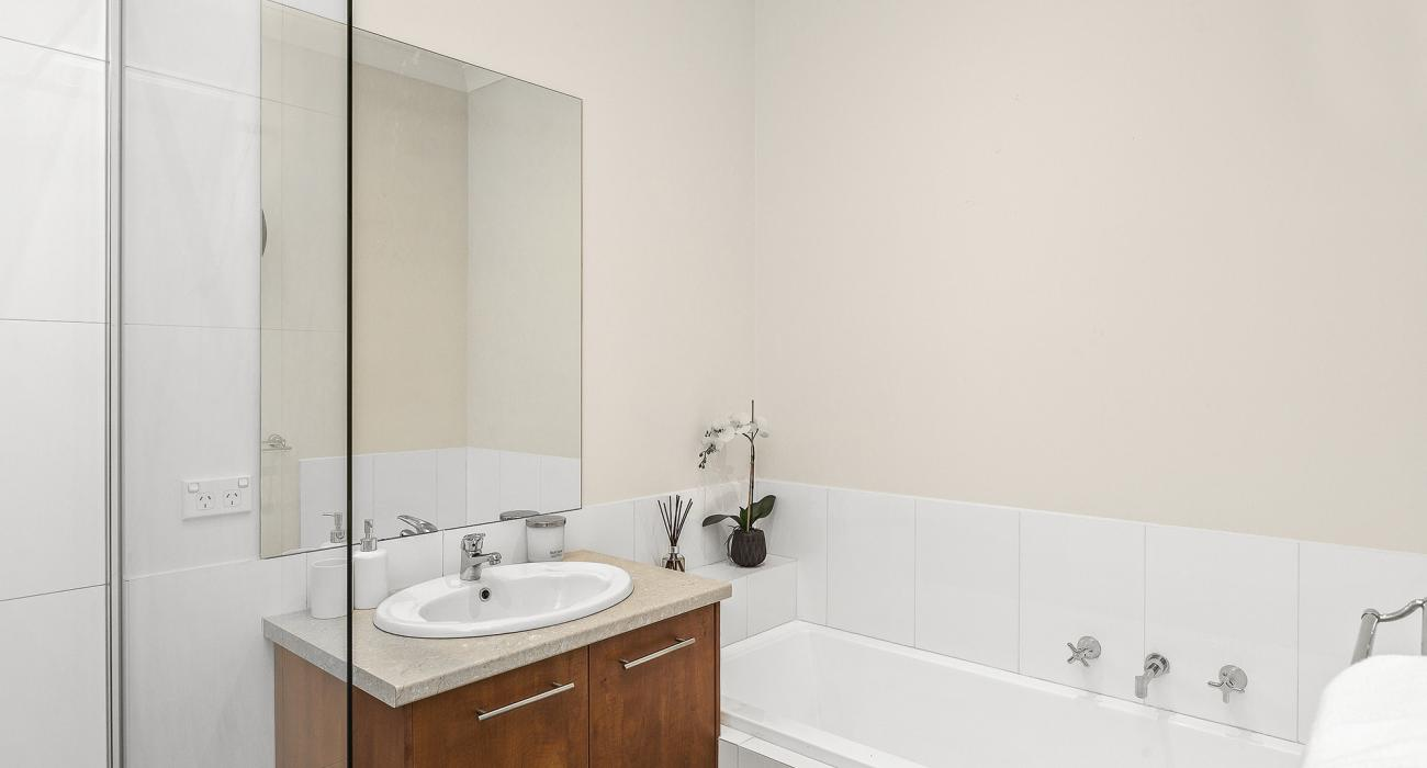 The Richardson - Mentone - Central Bathroom
