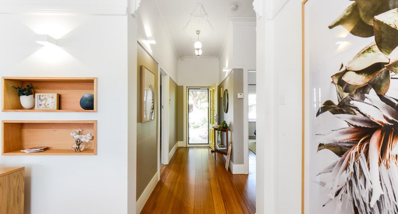 The Veronica - Northcote - Hallway to Entrance