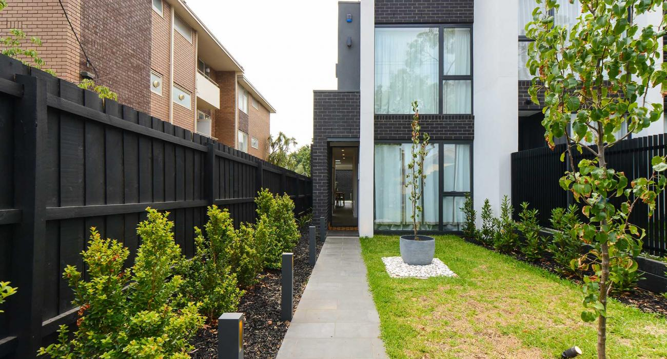 Victoria Road - Hawthorn - External Front and Entrance