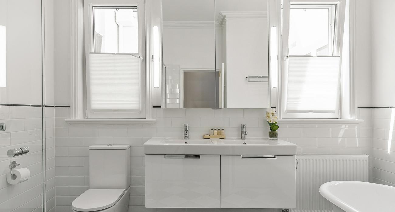 Zetland Terrace - South Melbourne -Central Bathroom b