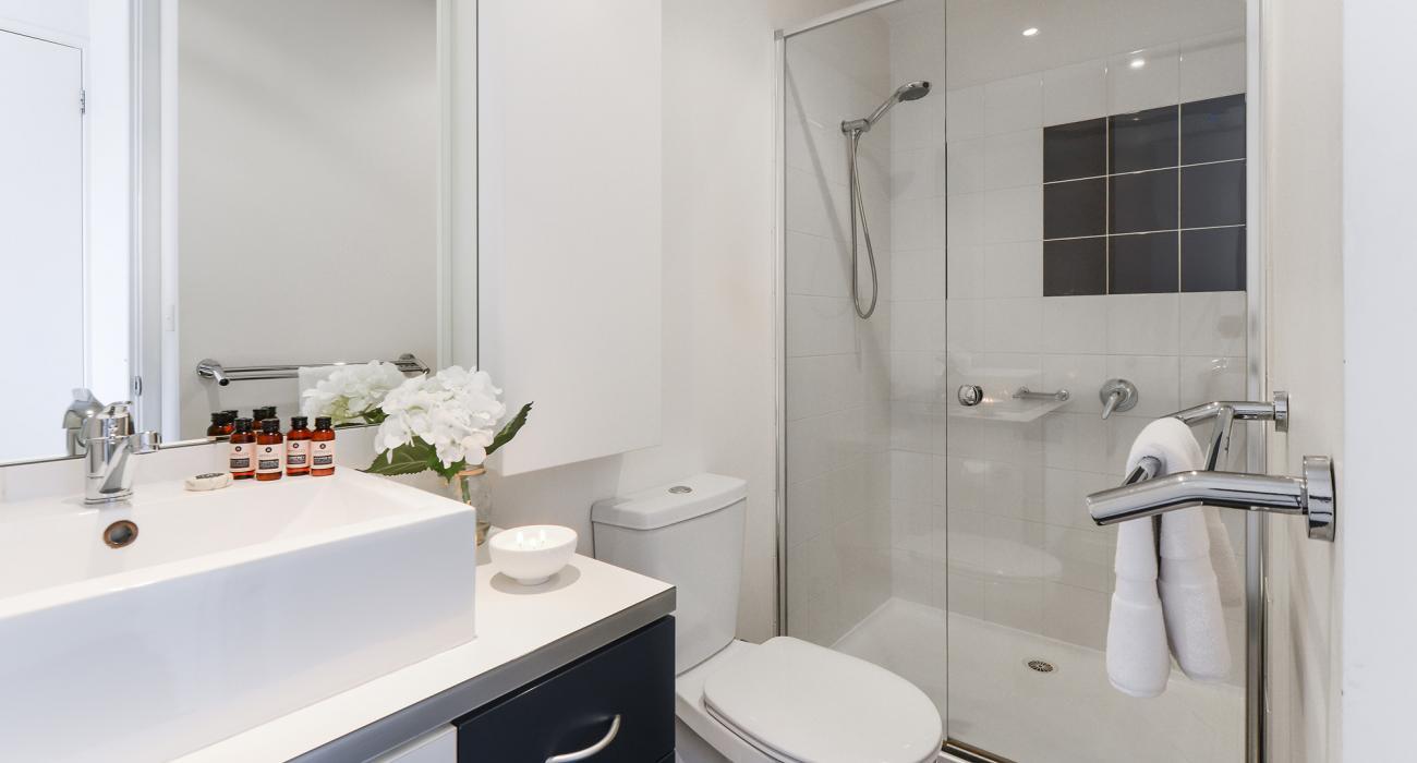 Zinc Views 501 - Port Melbourne - Ensuite Bathroom