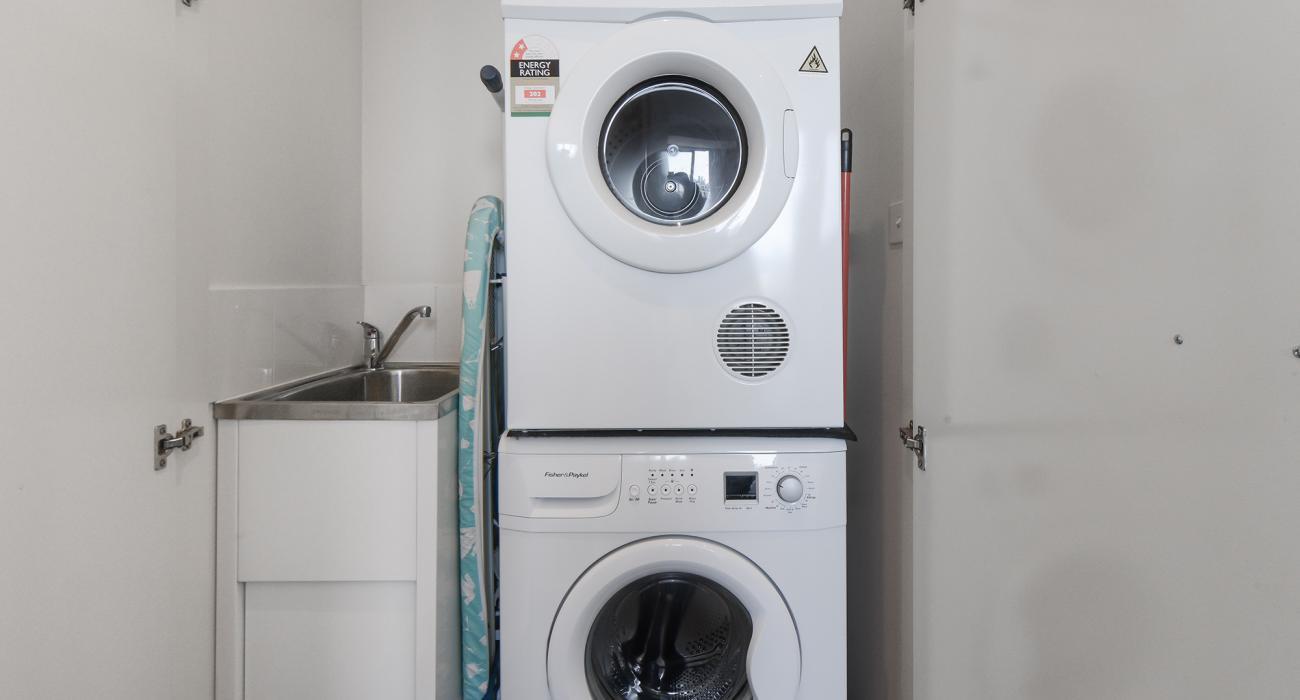 Zinc Views 501 - Port Melbourne - Laundry