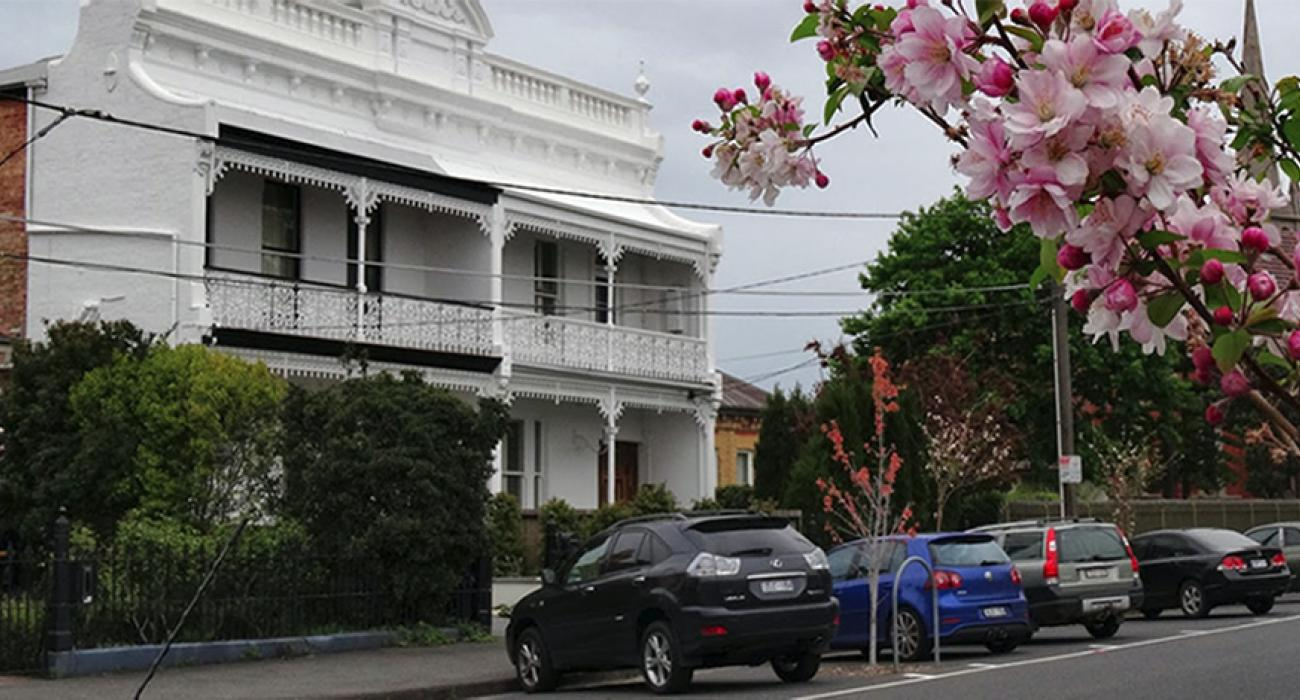 Pet Friendly homes for short stay holiday in Clifton Hill
