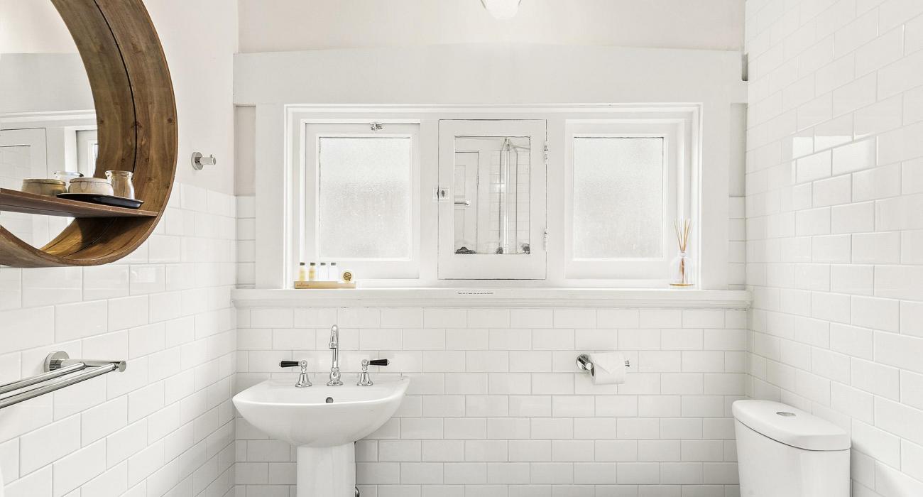 Elanora by The Bay - St Kilda - Bathroom