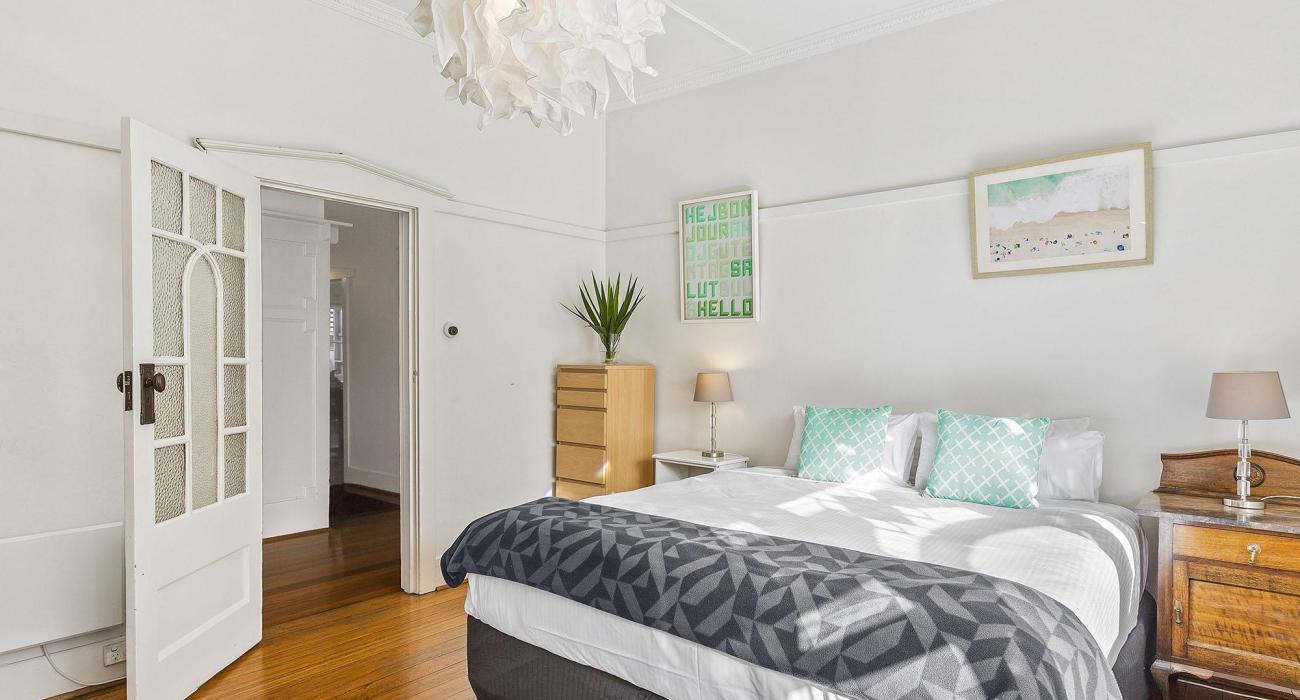 Elanora by The Bay - St Kilda - Bedroom 1b
