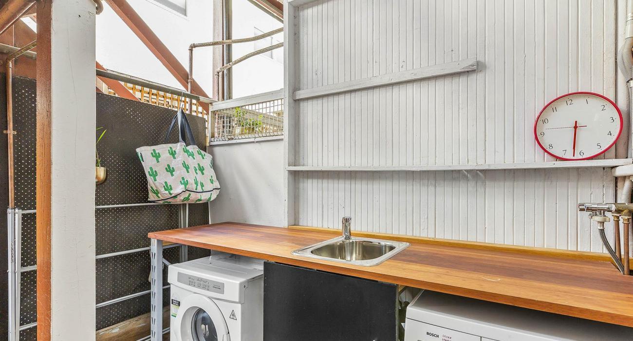 Elanora by The Bay - St Kilda - Laundry