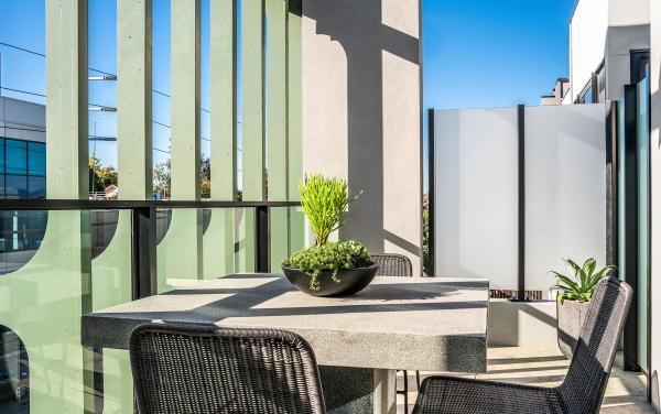 Axel Apartments - The Anderson - Glen Iris - Balcony b