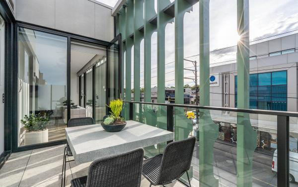 Axel Apartments - The Clarke - Glen Iris - Balcony