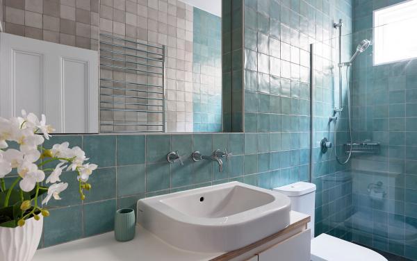 Bay Waves - Albert Park - Central bathroom