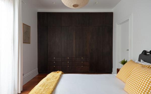 Bay Waves - Albert Park - Master Bedroom