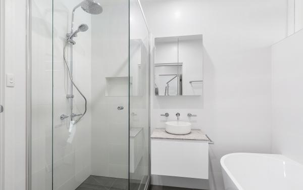 Brighton By Sea - Brighton - Semi Ensuite Bathroom Ground Level