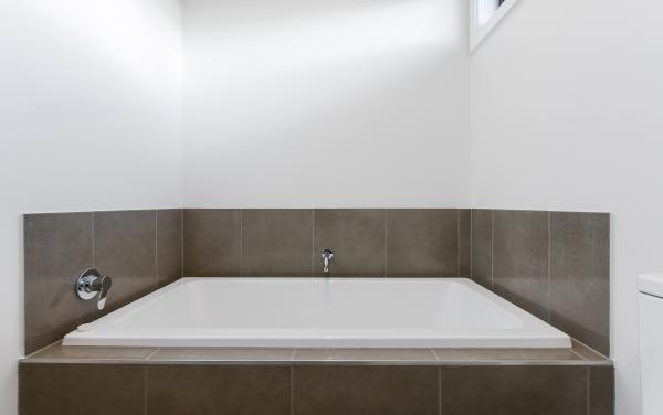 Caulfield Central - Caulfield - Bathroom 2b