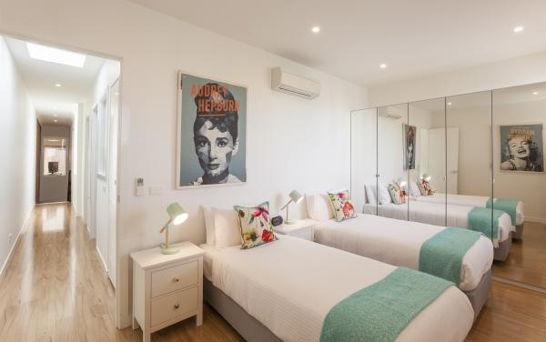 Central Park - South Melbourne - Twin Room