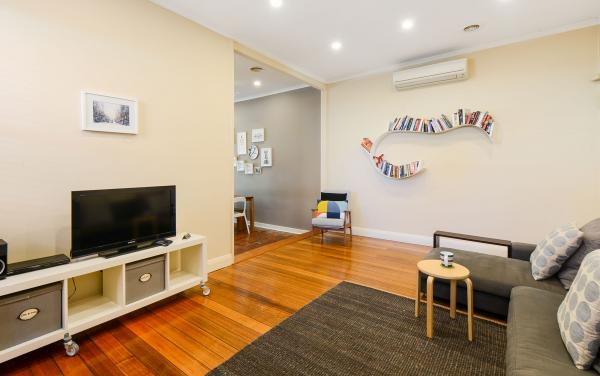 Clifton Park - Clifton Hill - Living Area
