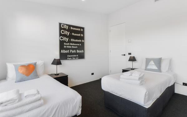 County Down - Port Melbourne - Twin Room b