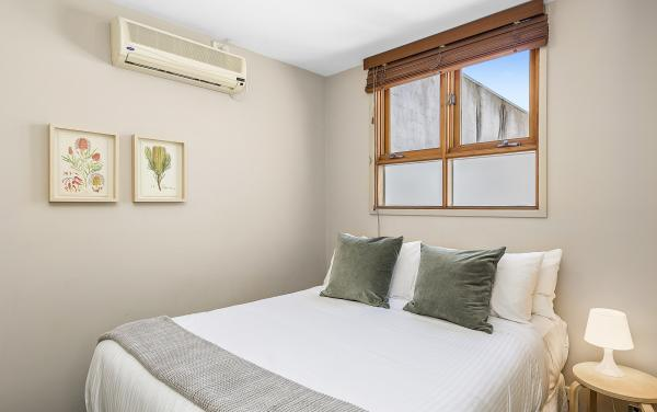 Curran Terrace - North Melbourne - Bedroom 2