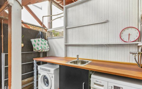 Elanora by The Bay - St Kilda - Laundry