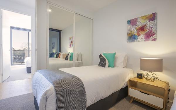 Hampton Hub - Hampton - Bedroom b