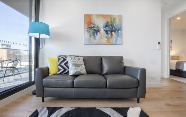 Hampton Hub - Hampton - Living Room e