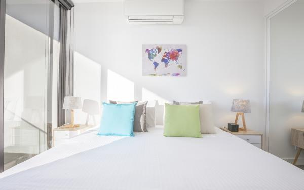 Hampton Hub - Hampton - Master Bedroom b