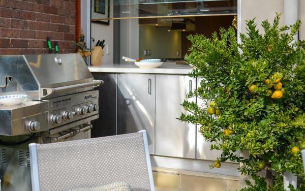 Maple on Kent - Glen Iris - Outdoor BBQ Area
