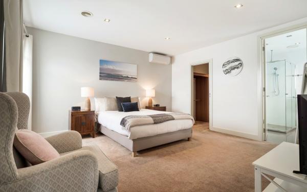 Mentone Abode - Mentone - Master Bedroom Ensuite
