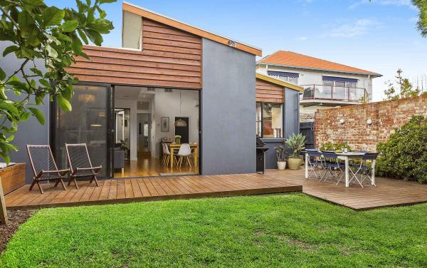 Mordi Beach House - Mordialloc - Backyard b