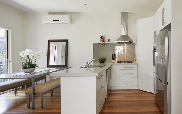 Mordi Sands - Mordialloc - Kitchen and Dining