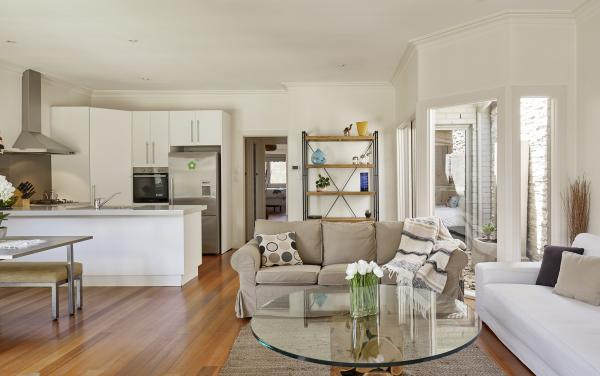 Mordi Sands - Mordialloc - Living and Kitchen