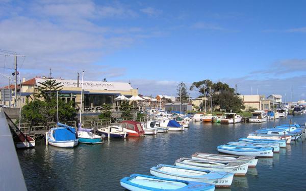 Mordialloc - Mordboats in Marina