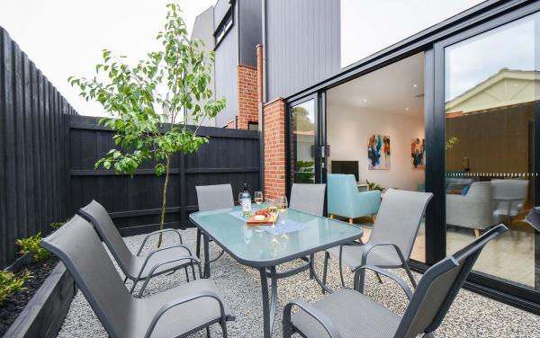 Murrumbeena Place 2 - Murrumbeena - Outdoor Seating Area b