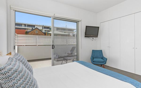 Port Haven - Port Melbourne - Master Bedroom b