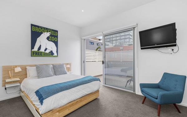 Port Haven - Port Melbourne - Master Bedroom e