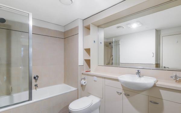 River Boulevard - Richmond - Bathroom