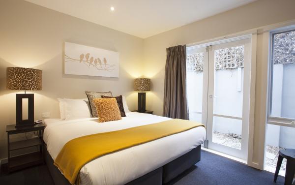 Roxys Place - Prahran - Master Bedroom b