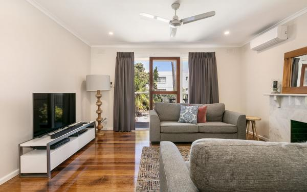 Sandy Breeze 1 - Sandringham - Living Area